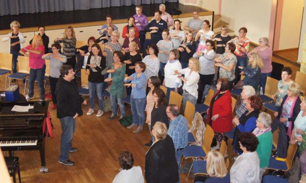 Über 50 SängerInnen beim SingFun Start